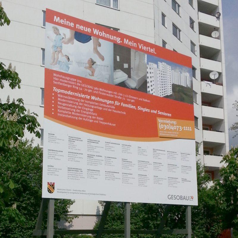 Bauschild mit Unterkonstruktion aus Aluminium