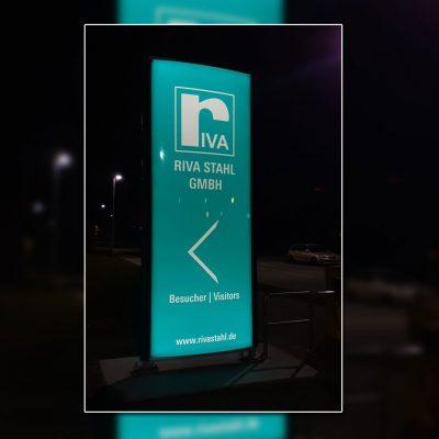 Riva Stahl Pylon Nacht